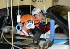 【完成車品質課】検査機器を駆使する検査員を助手席で見学